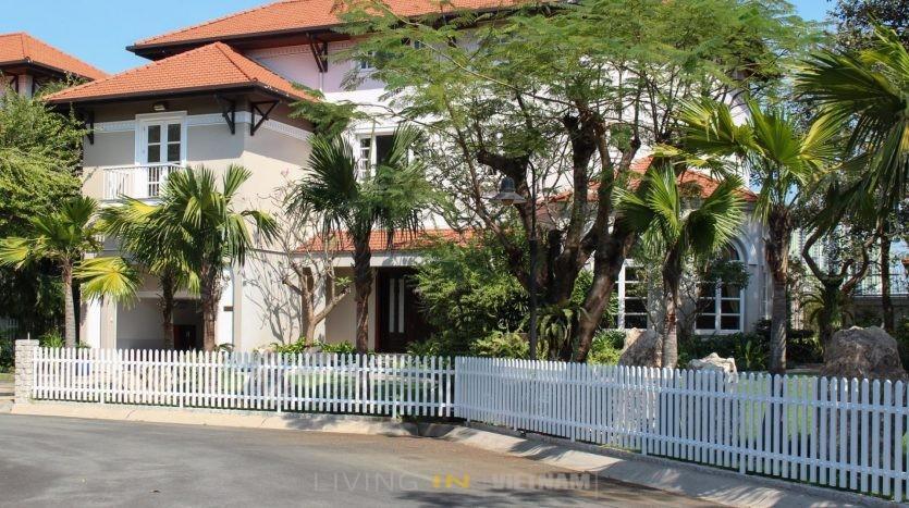 Spring compound luxury villas