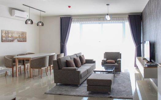 High floor apartment with balcony at Vista Verde Saigon
