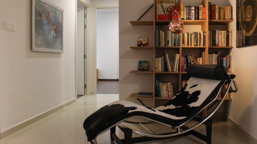 Arty Apartment at Vista Verde