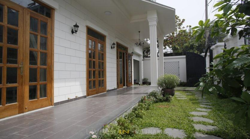 HOUSE FOR RENT NEAR ISHCMC AND GERMAN SCHOOL SAIGON DISTRICT 2