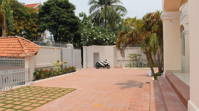 Villa in compound in district 2 Ho chi minh city