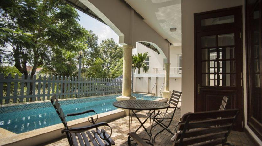 House for rent with private pool by the river
