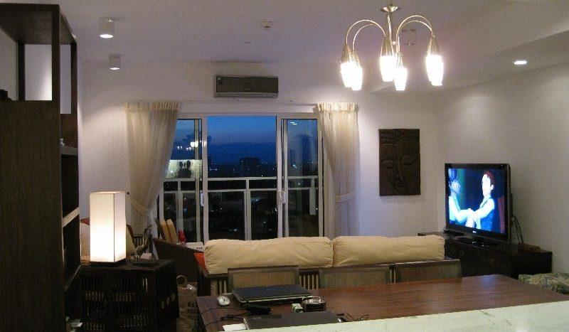 Furnished apartment on high floor at River Garden