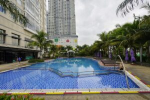 Saigon Pearl swimming pool