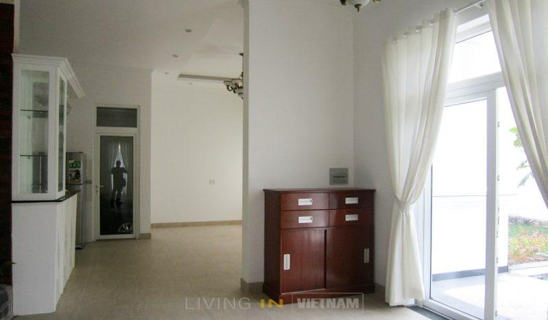 Villa for rent in Thao Dien: Entrance
