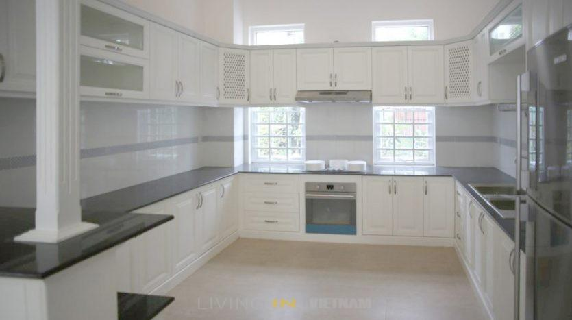 Villa for rent in Thao Dien: Kitchen
