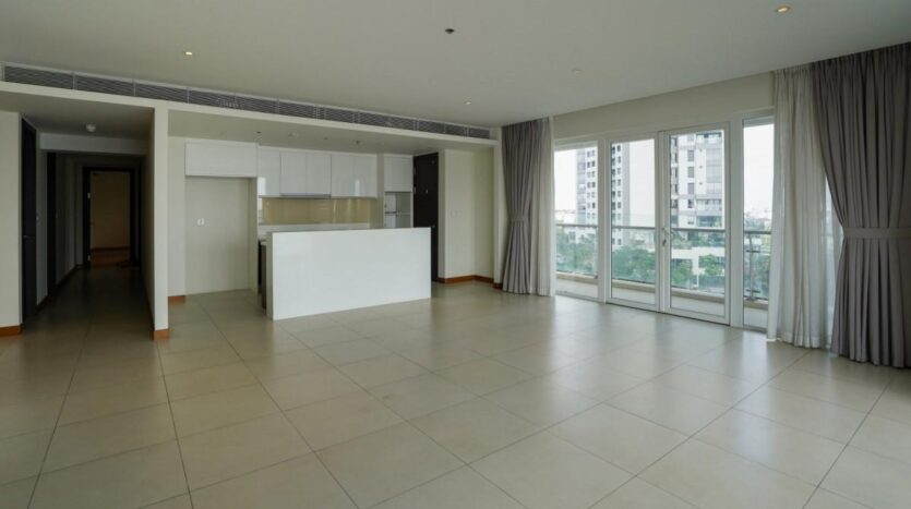Large unfurnished apartment in Saigon - Diamond Island