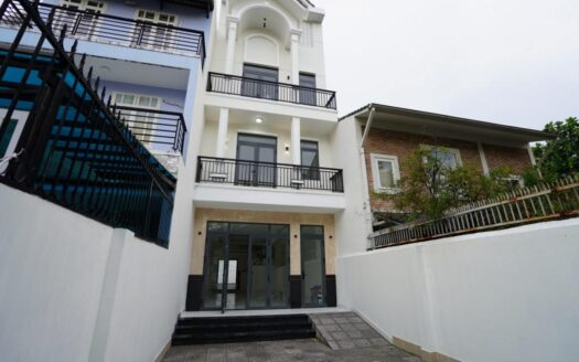 Townhouse in Tran Ngoc Dien