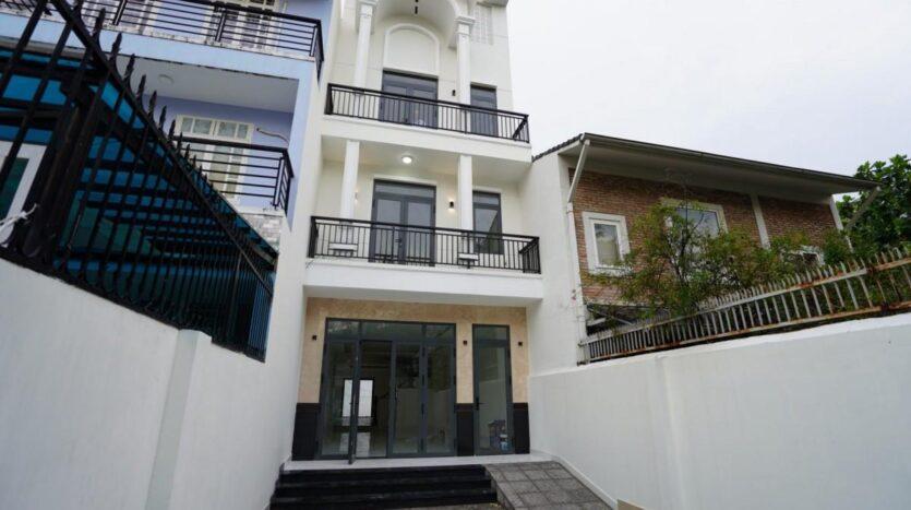 Townhouse in Tran Ngoc Dien