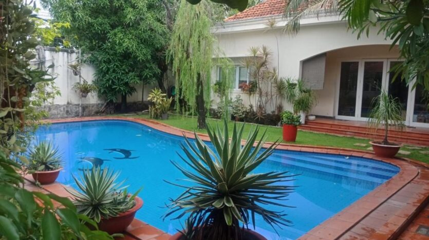 4 bedroom house in An Phu compound